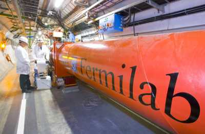 photo of Femilab inner triplet quadrupole at CERN