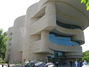 photo of the National Museum of the American Indian, Washington DC