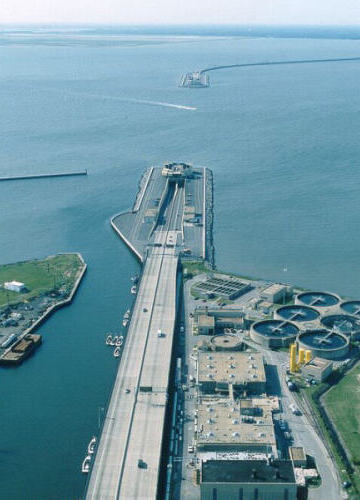 photo of Monitor-Merrimac Memorial Bridge-Tunnel