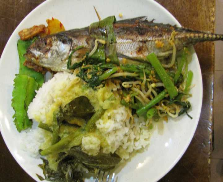 photo of fish dish