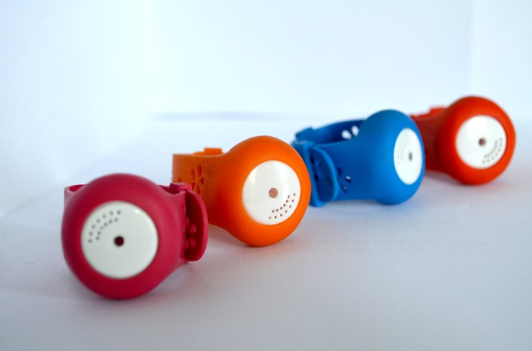Baby thermometer wristbands